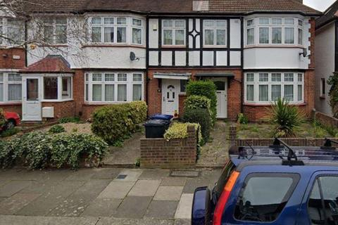 1 bedroom semi-detached house to rent - DOUBLE ROOM IN A FLATSHARE, Lillian avenue, W3 9AW