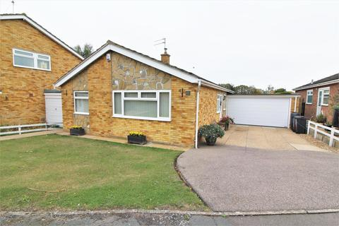 3 bedroom detached bungalow for sale - Pyesand, Kirby-Le-Soken, Frinton-On-Sea