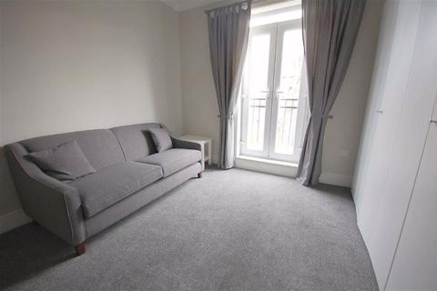 Studio to rent - Central Road, West Didsbury, Manchester, M20