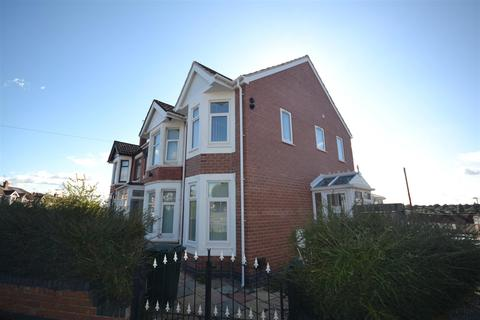 2 bedroom semi-detached house to rent - Queen Isabels Avenue, Cheylesmore, Coventry