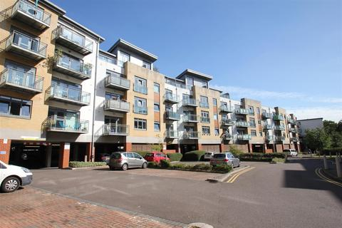 2 bedroom penthouse to rent - Wallis Place, Hart Street, Maidstone