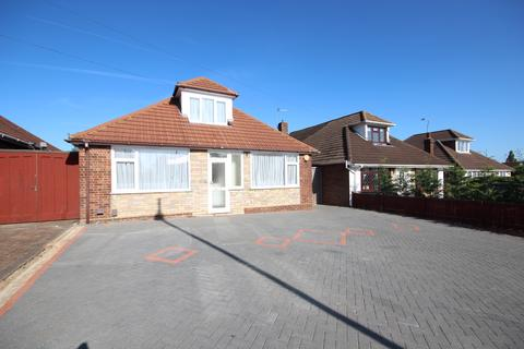 3 bedroom bungalow to rent - Ashcroft Road, Luton, LU2