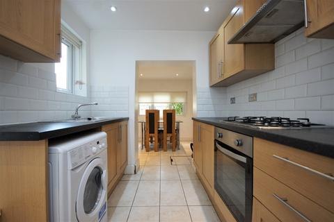 4 bedroom terraced house to rent - Carlingford Road, Turnpike Lane, N15