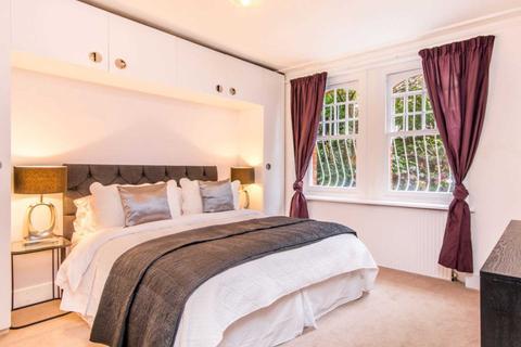 3 bedroom flat for sale - Mornington Avenue, West Kensington