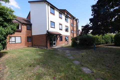 1 bedroom apartment - Gresham Road, Staines-upon-Thames, TW18