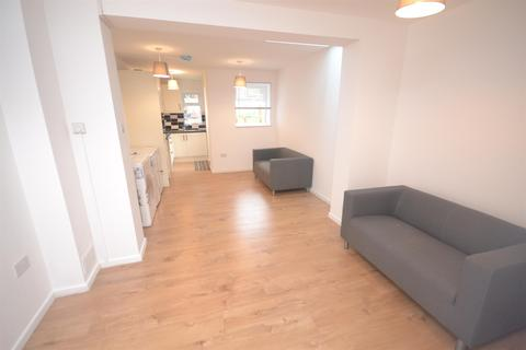 4 bedroom terraced house to rent - Francis Street, Reading