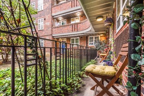 2 bedroom flat to rent - Tilson Gardens London SW2
