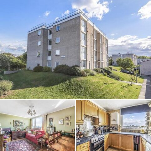 2 bedroom flat for sale - Brenchley Gardens, Forest Hill