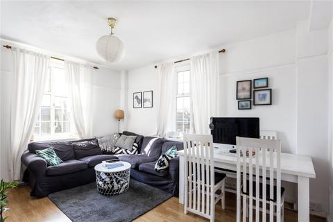 2 bedroom property to rent - The Pavement, London, SW4