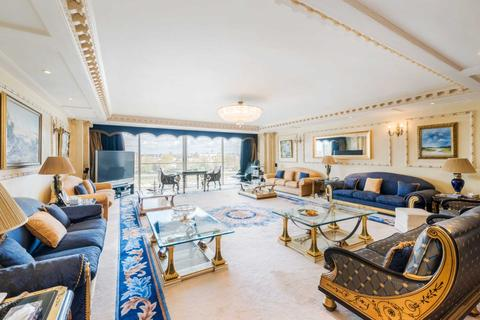 5 bedroom apartment to rent - Riverside One,Albert Wharf, SW11
