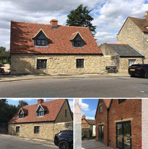 2 bedroom semi-detached house for sale - Barton Village Road, Barton