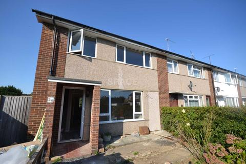 3 bedroom end of terrace house to rent - Manners Road, Woodley, Reading, RG5 3EA