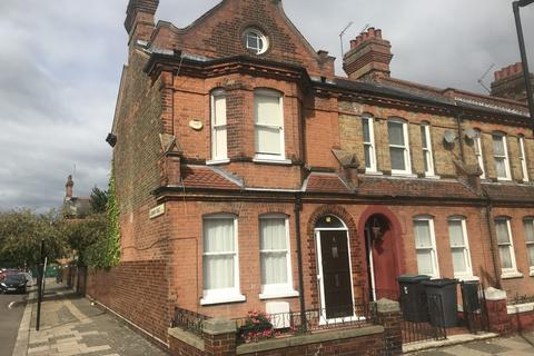 3 bedroom end of terrace house to rent - Lymington Avenue, N22