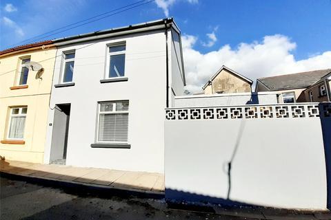 3 bedroom end of terrace house for sale - Hunt Terrace, Cefn Coed, Merthyr Tydfil, CF48