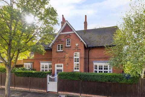 3 bedroom detached house for sale - Blenheim Road, Bedford Park, Chiswick, London, W4