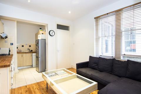 3 bedroom flat to rent - Vera Road, Fulham, London, SW6