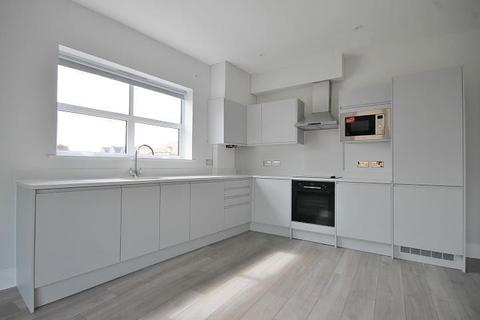 2 bedroom apartment to rent - South Street, Staines-Upon-Thames, TW18