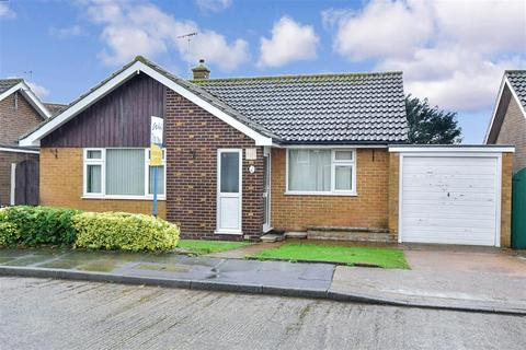 2 bedroom detached bungalow for sale - Hillcrest Gardens, Ramsgate, Kent