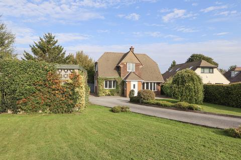 6 bedroom detached house to rent - New Road, Wingerworth, Chesterfield