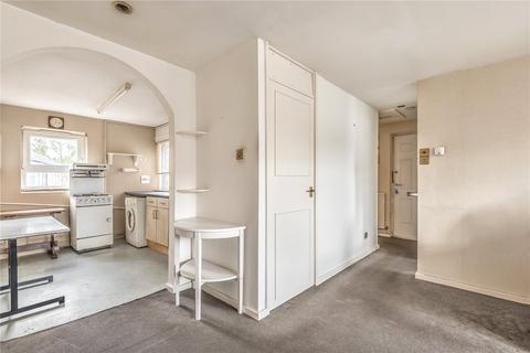1 bedroom flat for sale - Culross Close, London, N15