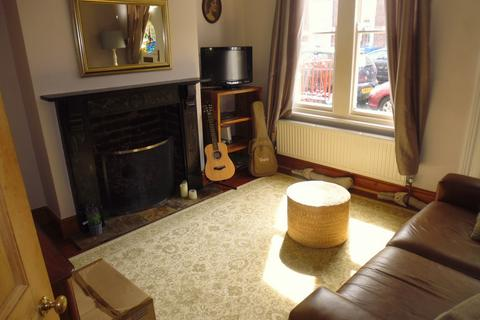 3 bedroom semi-detached house to rent - 17 Murray Road