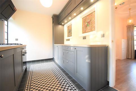 3 bedroom bungalow to rent - Reading Road, Woodley, Berkshire, RG5
