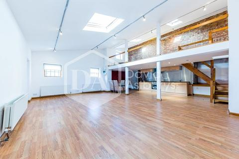 1 bedroom apartment to rent - Colina Mews, Turnpike Lane, London