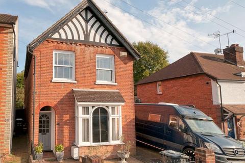 3 bedroom detached house for sale - Judd Road, Tonbridge, TN9 2NJ