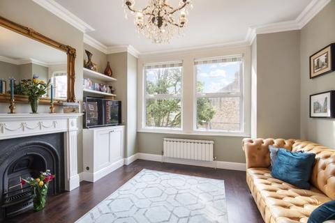 3 bedroom maisonette - Cobbold Road W12