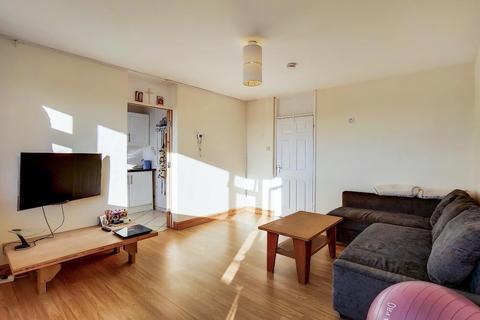 2 bedroom flat for sale - Pope House, Manor Estate, London, SE16 3NU