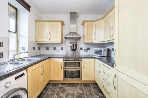 2 bedroom flat to rent - Commercial Road, London E14