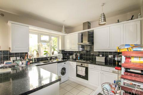 4 bedroom house to rent - Dawley Road, Hayes, Middlesex