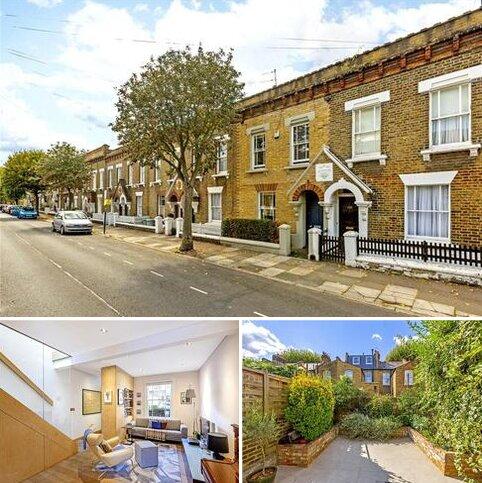 2 bedroom terraced house for sale - Tyneham Road, London, SW11
