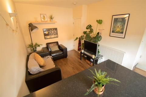 3 bedroom apartment to rent - Grimthorpe Street, Headingley, Leeds, LS6 3JU