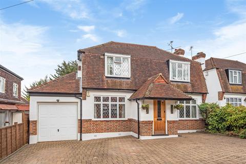 4 bedroom detached house for sale - Tudor Avenue, Worcester Park