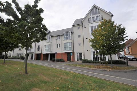 2 bedroom apartment - Lambourne Chase, Great Baddow, Chelmsford, CM2