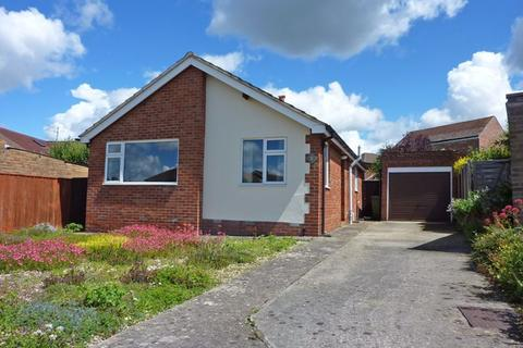 2 bedroom bungalow to rent - Warden Hill GL51 3DW