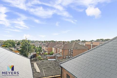3 bedroom apartment for sale - Ashley Road, Parkstone BH14