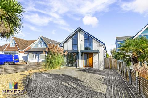 4 bedroom detached house for sale - Lulworth Avenue, Hamworthy, Poole, BH15