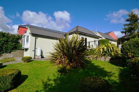 2 bedroom detached bungalow for sale - Commons Road, Pembroke