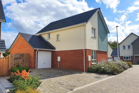 3 bedroom detached house - Highgrove, Roundswell, Barnstaple