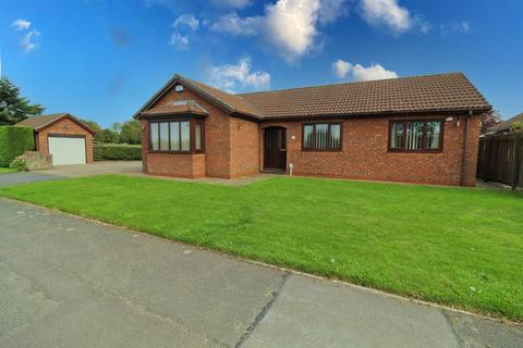 3 bedroom detached bungalow for sale - East End Road, Preston