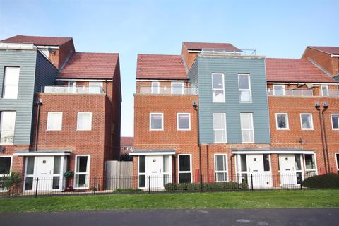 3 bedroom end of terrace house to rent - Ambassador Walk, Eastleigh