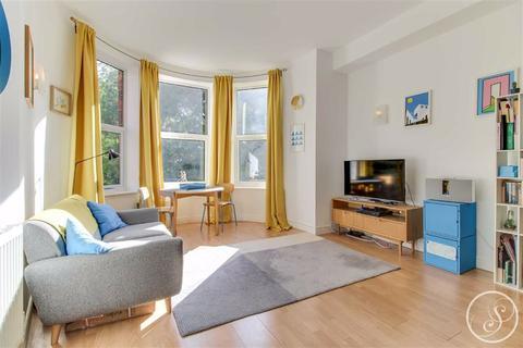 2 bedroom apartment for sale - Westfield Terrace, Chapel Allerton, LS7
