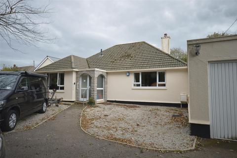 2 bedroom detached bungalow to rent - Alexandra Road, Redruth