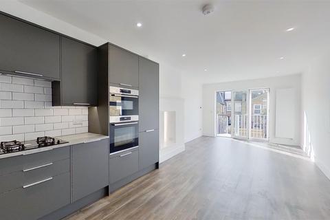 2 bedroom maisonette for sale - Loubet Street, London