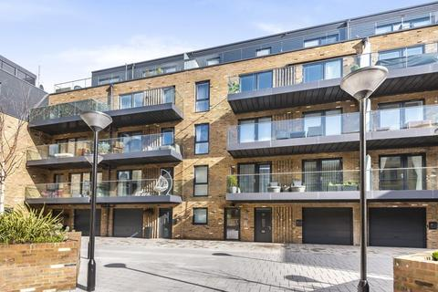 2 bedroom flat for sale - Isleworth,  London,  TW7