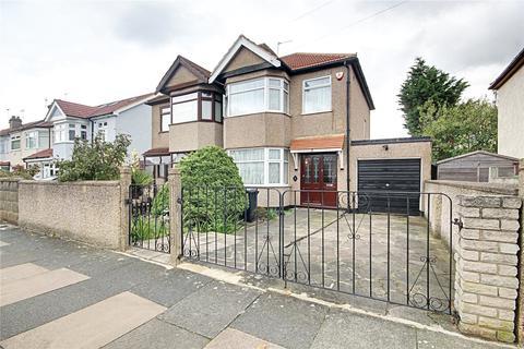 3 bedroom semi-detached house for sale - Pembroke Avenue, Enfield, Greater London, EN1