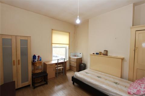 1 bedroom house share to rent - Myddleton Road, Wood Green, London, N22