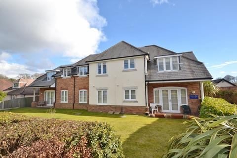 3 bedroom flat for sale - Broadstone